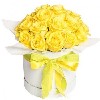 """25 жовтих троянд в шляпной коробці """"Ярослава"""". annetflowers.com.ua. Купити букет жовтих троянд в коробці"""