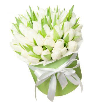 51 тюльпан в шляпной коробке. annetflowers.com.ua. Купить белый тюльпан в шляпной коробке в Киеве