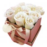 """9 белых роз в коробке """"Принцесса"""""""