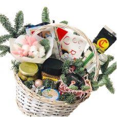 """Подарунковий кошик на Новий Рік """"Ізобіліє"""""""