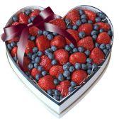 """Фруктовая коробка сердце """"Подарунок"""""""