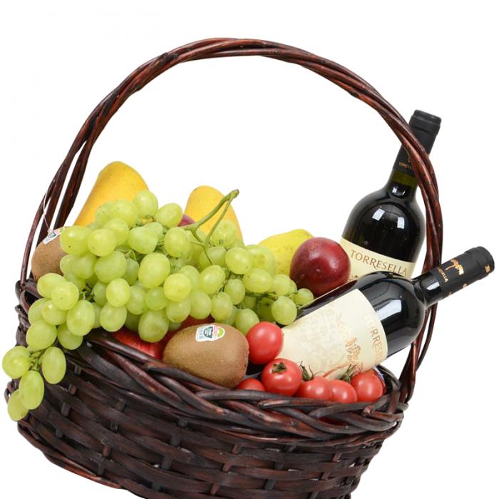 довольно корзина с фруктами и вином в подарок своими руками фото если