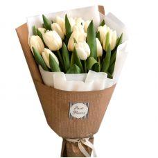 Букет з 21 білої тюльпана