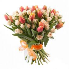 """Букет из тюльпанов и роз """"Бонжур"""""""