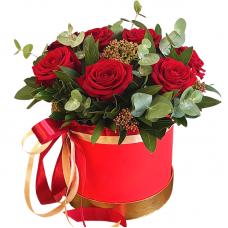 """Букет красных роз в коробке """"Лили"""""""