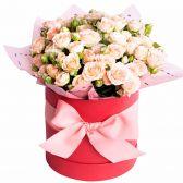 """Букет кустовых роз в шляпной коробке """"Маргарита"""""""