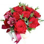 """Букет микс в шляпной коробке """"Розы и орхидеи"""""""