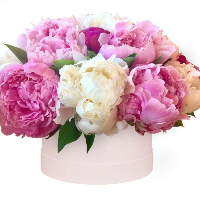Доставка цветов пионы в коробке, свадебный