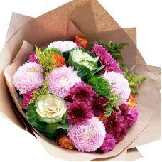 """Букет троянд і хризантем """"Улюбленою"""""""