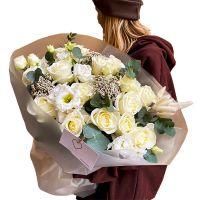Большой букет роз и эустомы