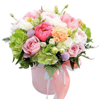"""Букет в шляпной коробке """"цветочный микс"""". annetflowers.com.ua. Купить букет микс в коробке в Киеве"""