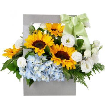 """Деревянный ящик с цветами """"Подсолнухи счастье"""". annetflowers.com.ua. Купить деревянный ящик с ручкми и цветами"""