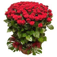 """Корзина с красными розами """"Море цветов"""""""