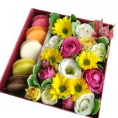 Квадратная коробка с Macarons