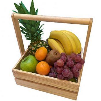 """Подарочная деревянная коробка с фруктами """"Вкус лета"""". annetflowers.com.ua. Доставка подарочных фруктовых коробок из дерева с ручками"""