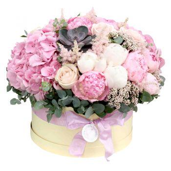 """Шляпная коробка """"Божественный микс"""". annetflowers.com.ua. Заказать букет микс в коробке в Киеве"""