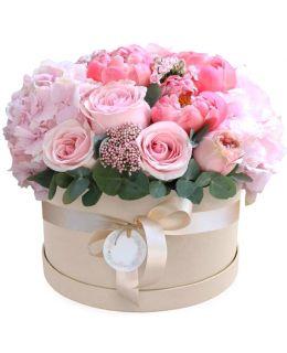 "Шляпная коробка с цветами ""Неженка"""
