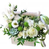 """Цветы в деревянном ящике с ручкой """"Элегантность"""""""
