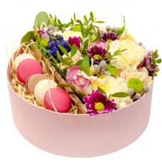 """Цветы в круглой коробке """"Клариса"""""""