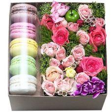 """Цветы в квадратной коробке """"Сюзанна"""""""