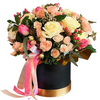 """Цветы в шляпной коробке """"Габриэлла"""". annetflowers.com.ua. Купить букет микс в коробке"""