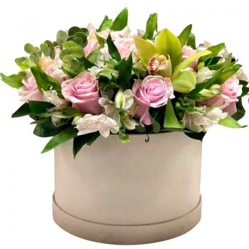 """Цветы в шляпной коробке """"Октябрина"""". annetflowers.com.ua. Купить букет в коробке"""