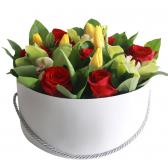 """Тюльпаны и розы в коробке """"Феерия"""""""