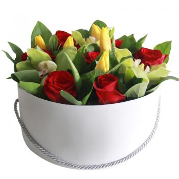"""Тюльпаны и розы в коробке """"Феерия"""". annetflowers.com.ua. Купить букет в круглой коробке"""